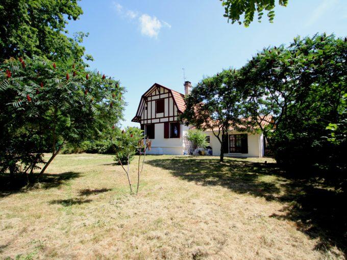 Maison Ancienne de Caractère à Léognan