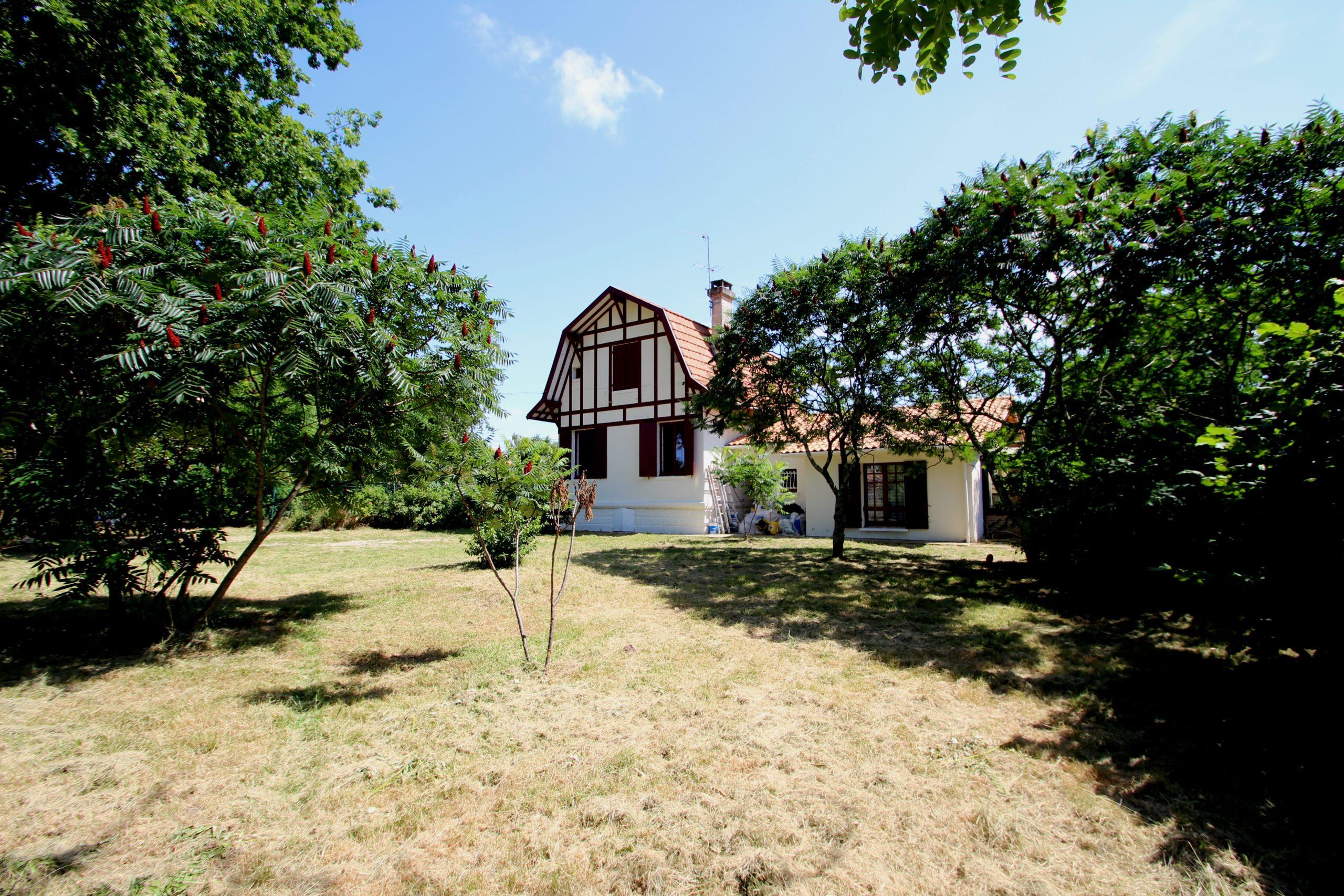 Maison Ancienne à Léognan