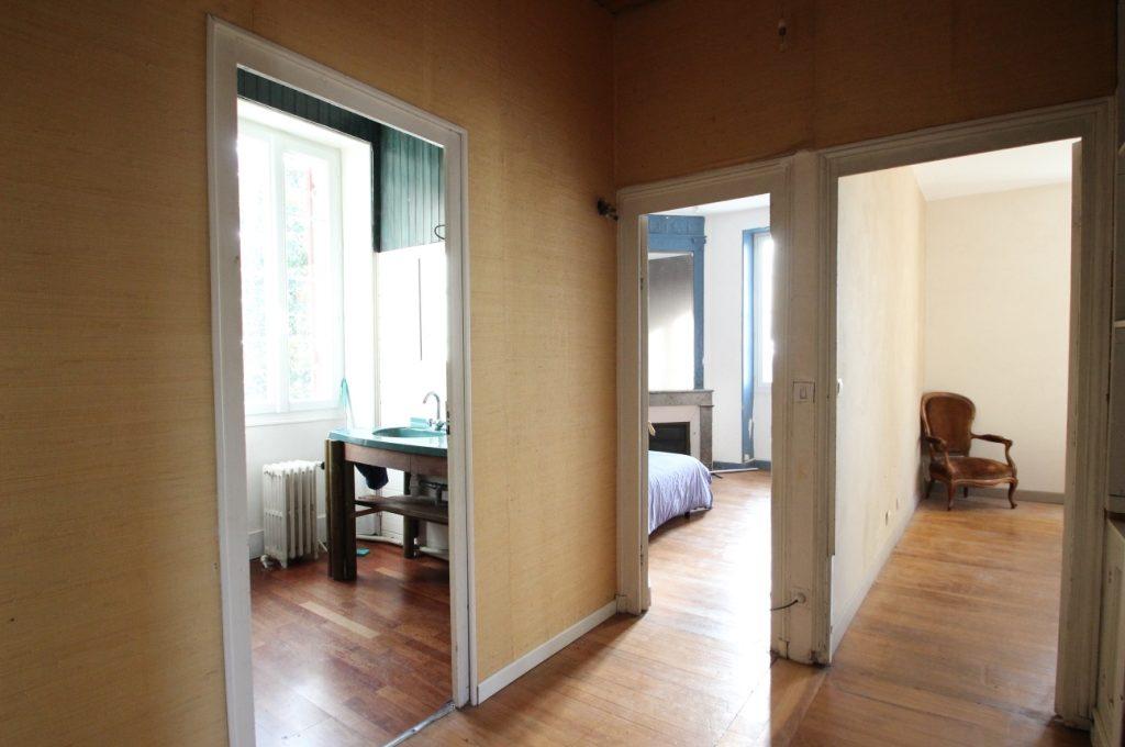 A vendre: Maison avec travaux à Quinsac