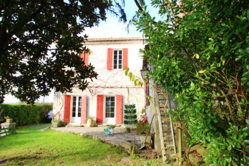 A vendre: Maison en pierre à Quinsac