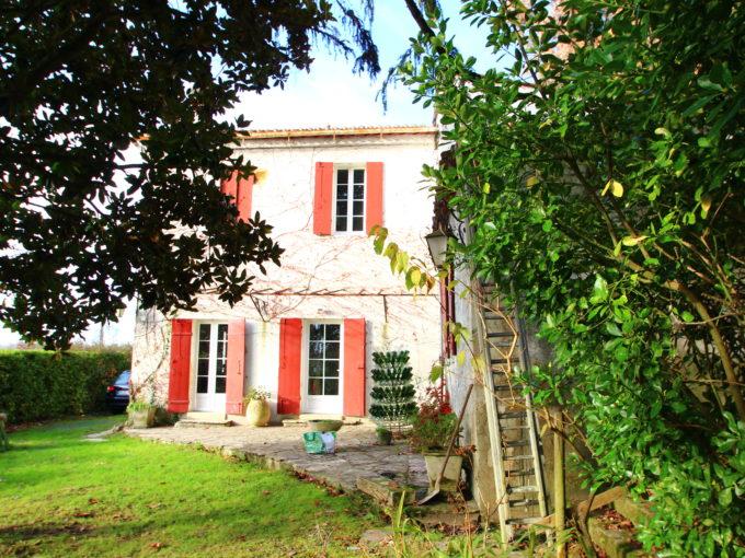 , Maison Ancienne en Pierre – Quinsac, Bordeaux Clés en Main