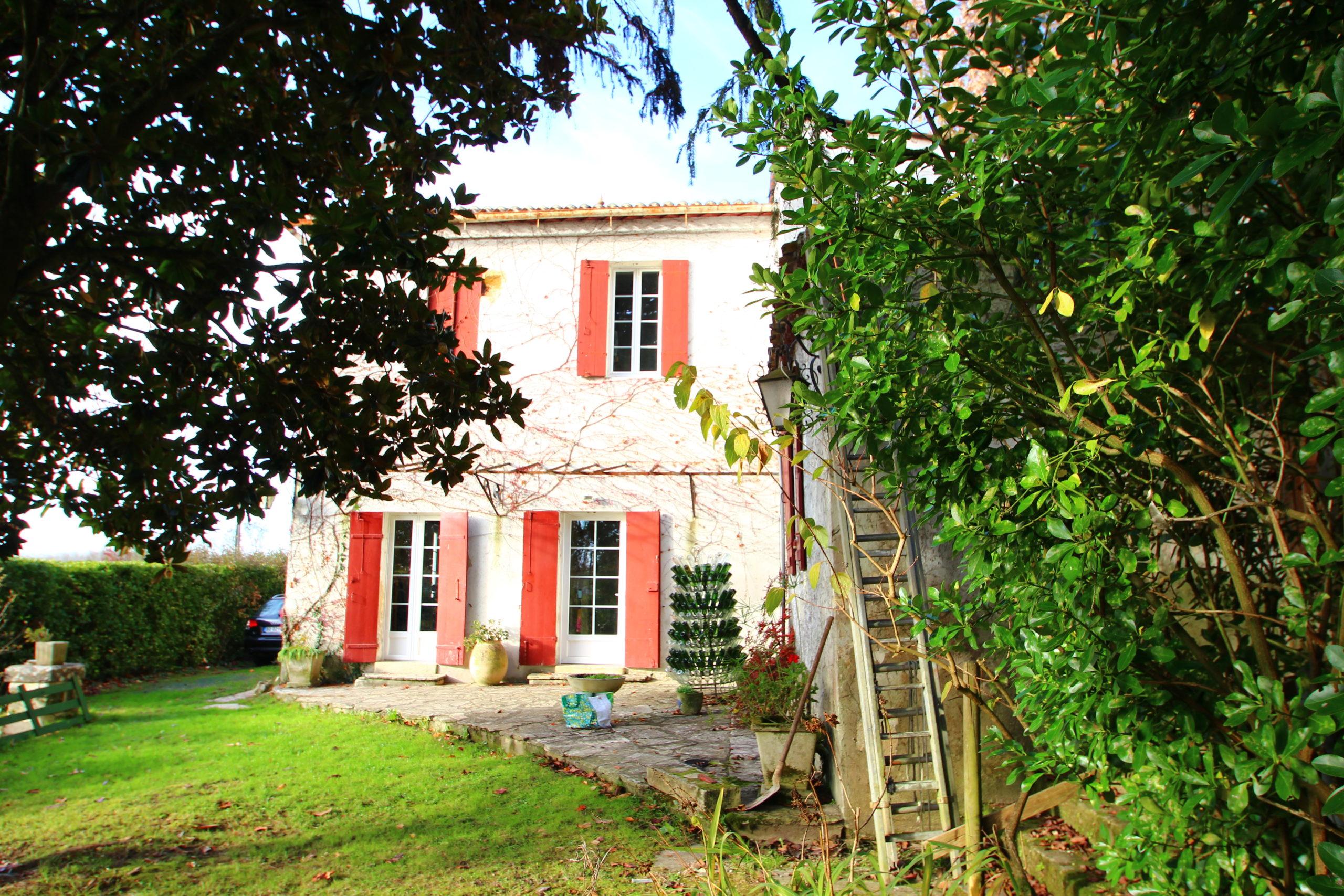Maison Ancienne en Pierre – Quinsac