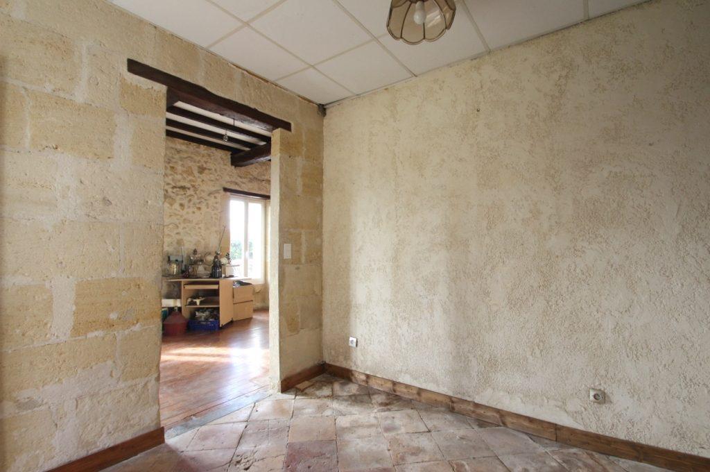 Belle maison ancienne avec travaux à Quinsac
