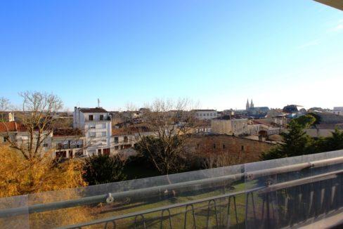 Superbe vue pour cette appartement en location à Bordeaux