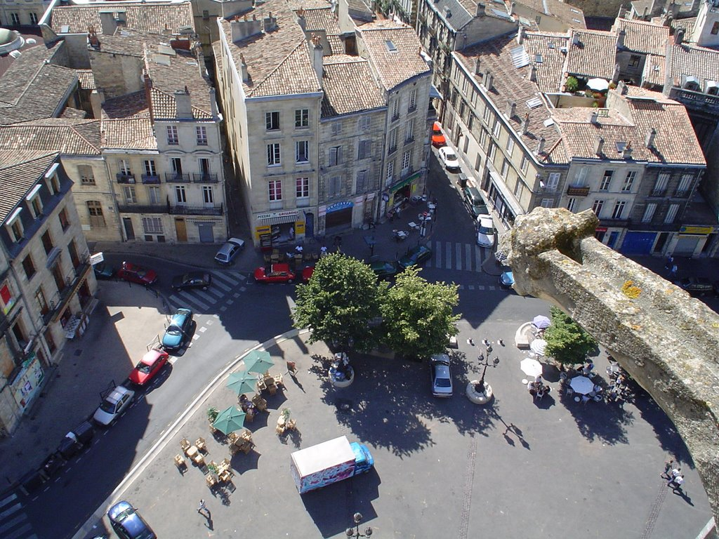 Appartement Ancien – Place St Michel Bordeaux