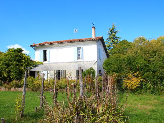 , Maison en Pierre à Rénover – Latresne, Bordeaux Clés en Main
