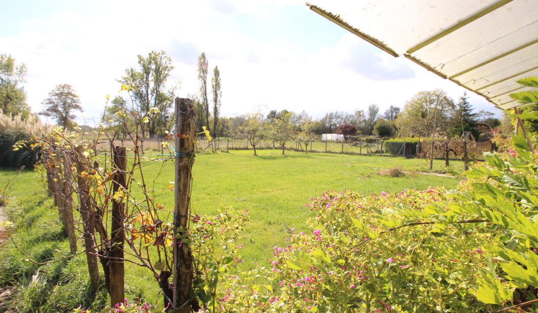 Maison avec grand terrain à vendre à Latresne