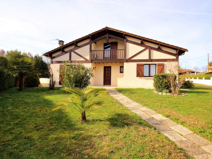 , Maison – jardin, piscine & garages, Bordeaux Clés en Main