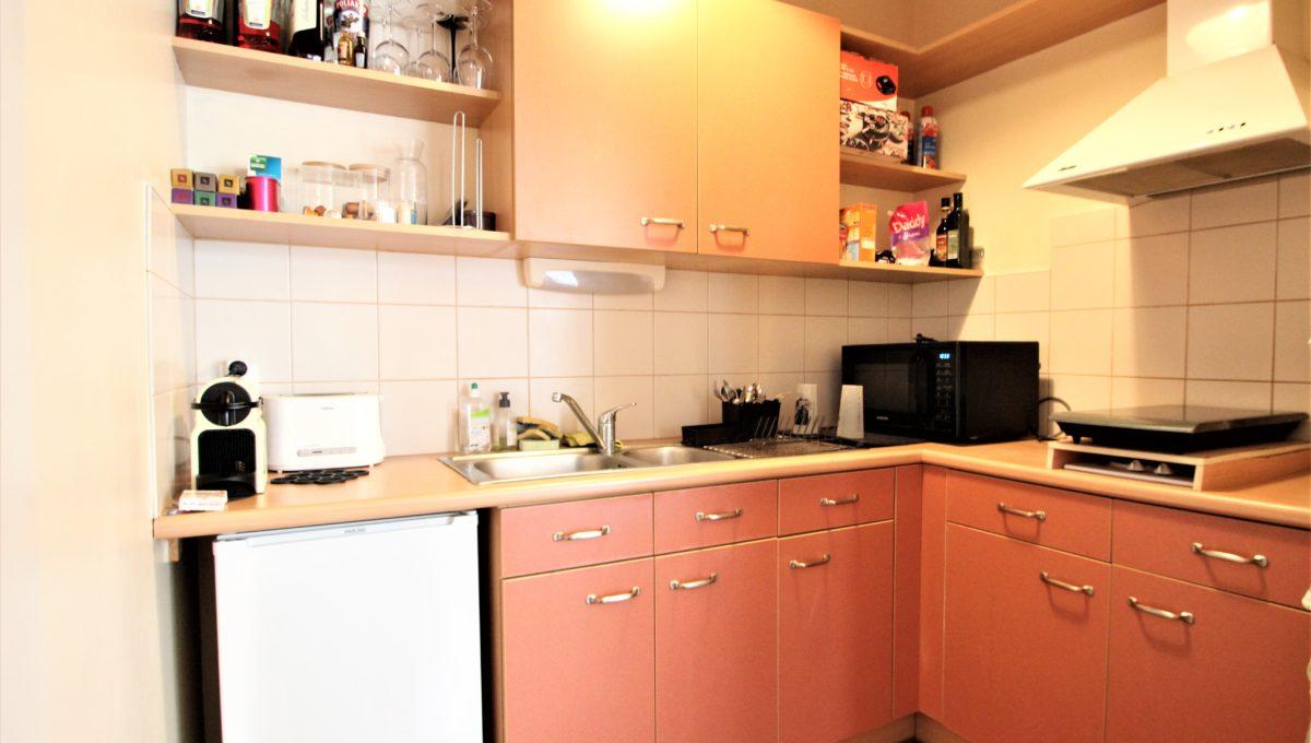 3. A vendre Studio T1 appartement à Bordeaux - Place camille Pelletan - Agence immobilière Bordeaux Clés en Main (3)