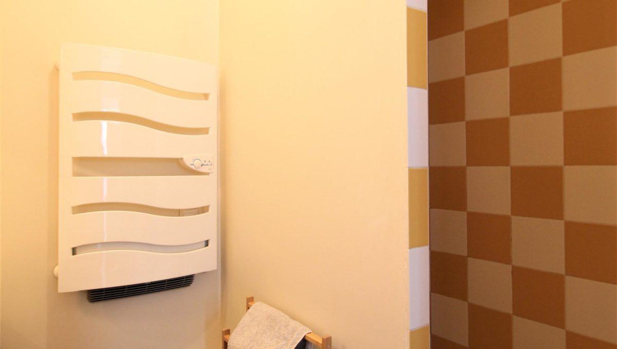 5. A vendre Studio T1 appartement à Bordeaux - Place camille Pelletan - Agence immobilière Bordeaux Clés en Main (5) - Copie