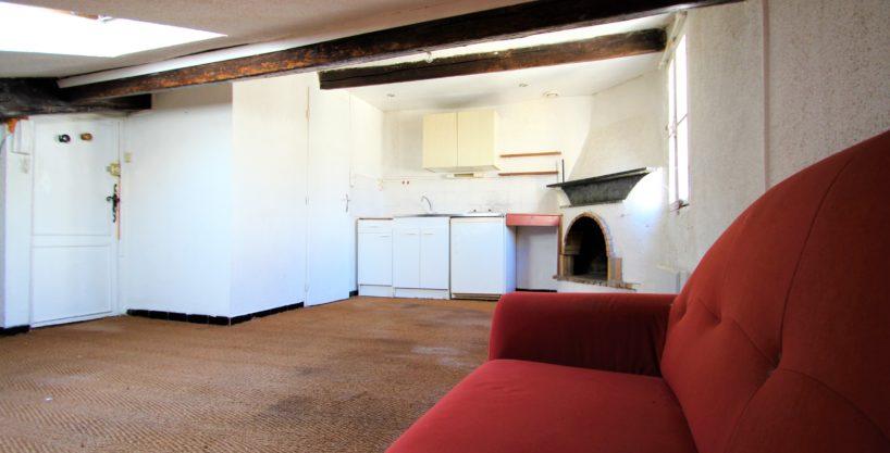 studio à rénover à Bordeaux, Studio à rénover idéalement situé à Bordeaux, Bordeaux Clés en Main