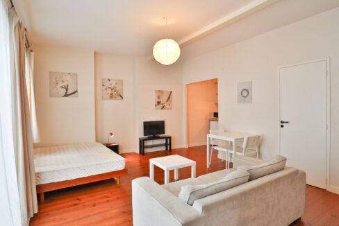2-studio-T1-quartier-st-michel-agence-immobilière-bordeaux-clés-en-main
