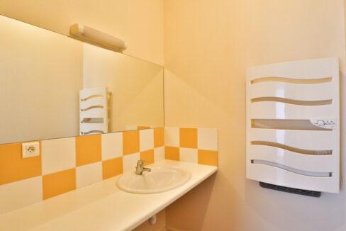 6-studio-salle-de-bain-agence-immobilière-bordeaux-clés-en-main