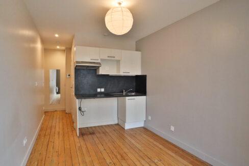 2-agence-immobilière-bordeaux-clés-en-mains-appartement-T1-a-vendre