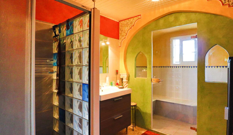 19-agence-immobilière-bordeaux-clés-en-main-maison-terrasse-latresne-salle-de-bain-hammam