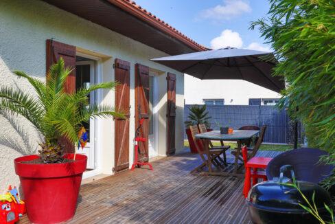 22-agence-immobilière-bordeaux-clés-en-main-maison-terrasse-jardin-parempuyre