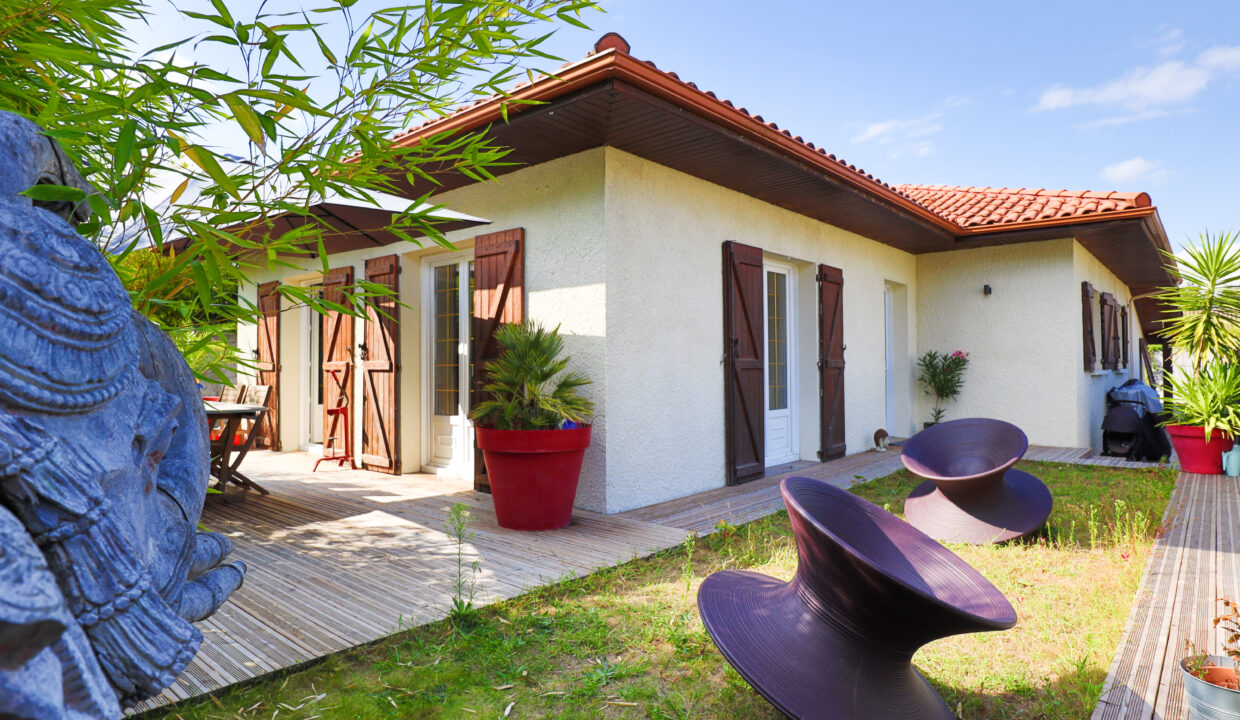 23-agence-immobilière-bordeaux-clés-en-main-maison-terrasse-jardin-parempuyre-bordeaux-métropole